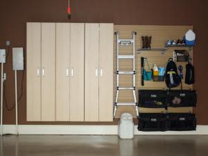 garage-wall-shelving-ideas